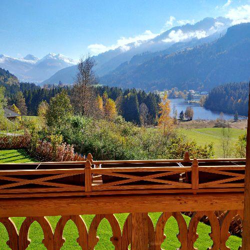Bäuerliches Anwesen oberhalb des Schwarzsees - Luxus-Immobilie in Kitzbühel - Blick auf Kitzbüheler Skigebiet Hahnenkamm